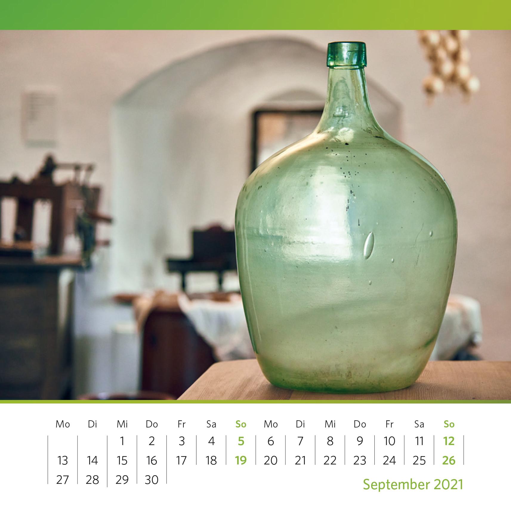 Glasballon mit leichter Grünfärbung. Winzige Mengen von Eisen sorgen für eine Grünfärbung des Glases. Foto: Oliver Kolken