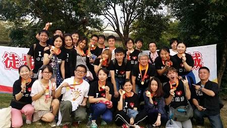 漢院スタッフと生徒さんは途歩で上海横断