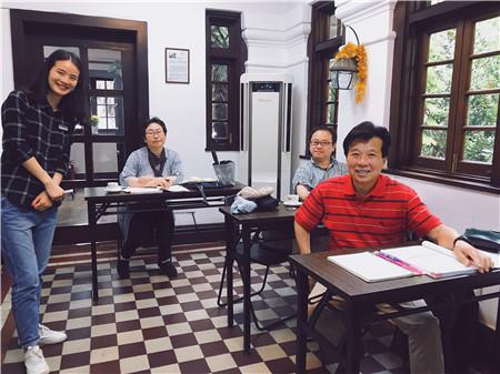 楽しい仲間と一緒に中国語!