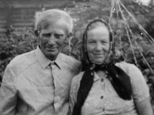 Никифор Иванович Черепанов с женой
