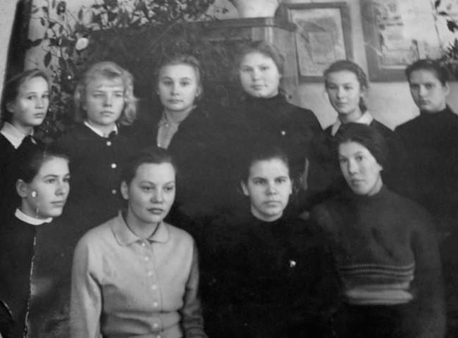 Екатерининская школа 1966 г. 8 класс