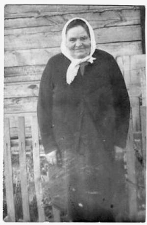 Вертипрахова (Берсенёва) Екатерина Фоминична 1900 г.р. Снигирь 1970-тые годы.