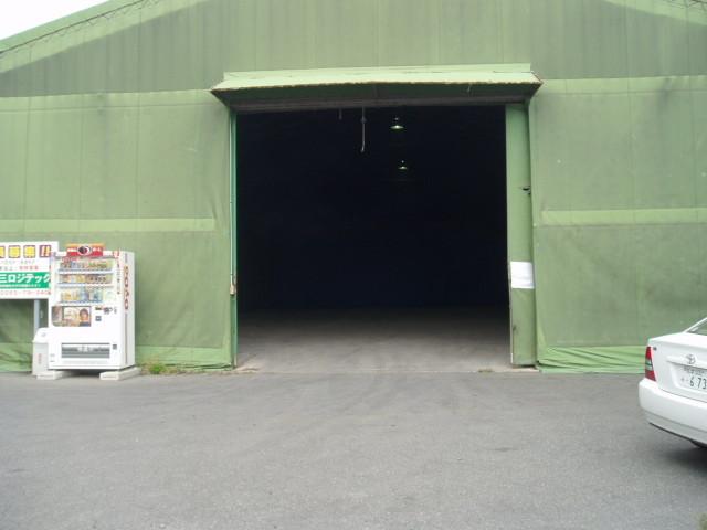 テント倉庫外