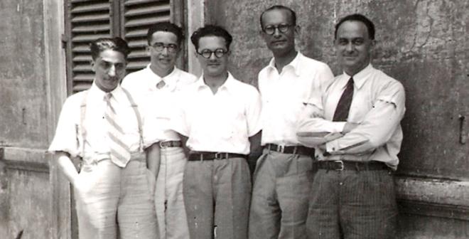 Ragazzi della via Panisperna, Roma. Da sinistra: Oscar D'Agostino, Emilio Segrè, Edoardo Amaldi, Franco Rasetti ed Enrico Fermi. Foto scattata da Bruno Pontecorvo. (Manca Ettore Majorana)