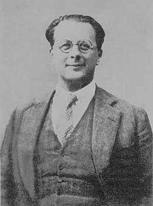 """Esiliato a Parigi, Rosselli fu amico di Croce e dette vita al movimento""""Giustizia e Libertà"""". Venne assassinato nel 1937"""