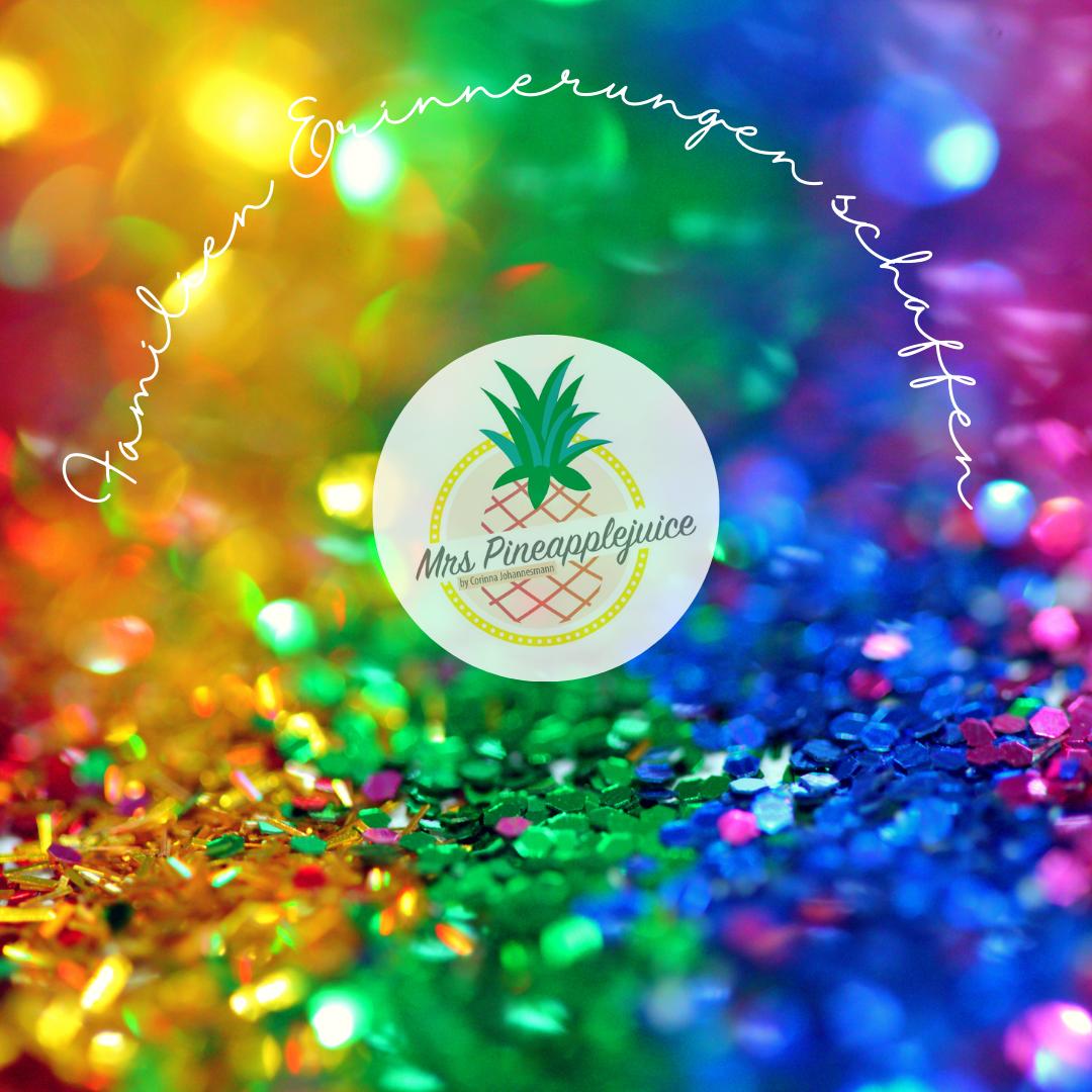 Logo Mrs Pineapplejuice mit Glitzer Hintergrund