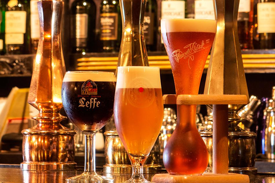 オーガニック系などこだわりのビールも楽しめる。