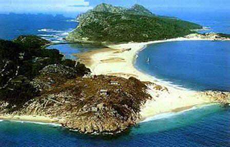Playa de Rodas en las Islas Cies , la mejor playa del Mundo