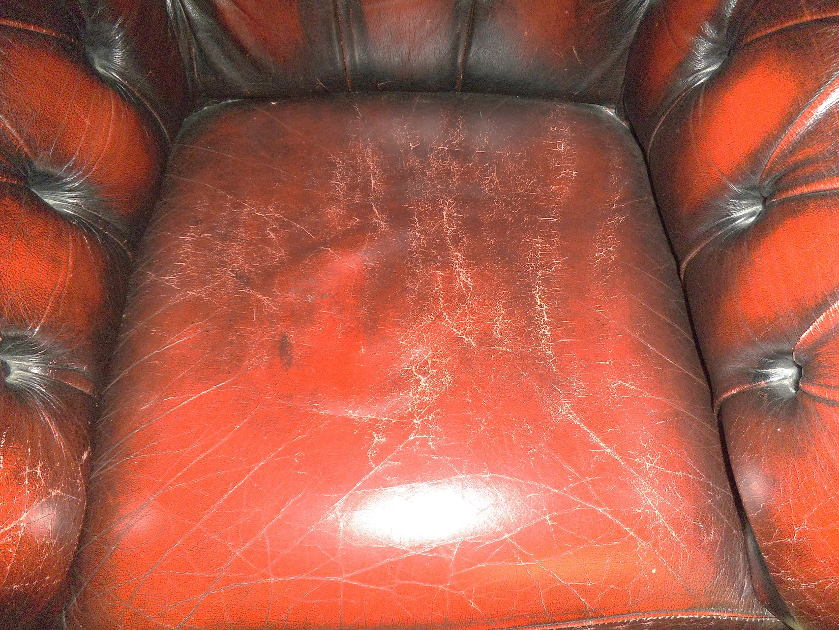 Sessel, Farbe oberflächlich angegriffen