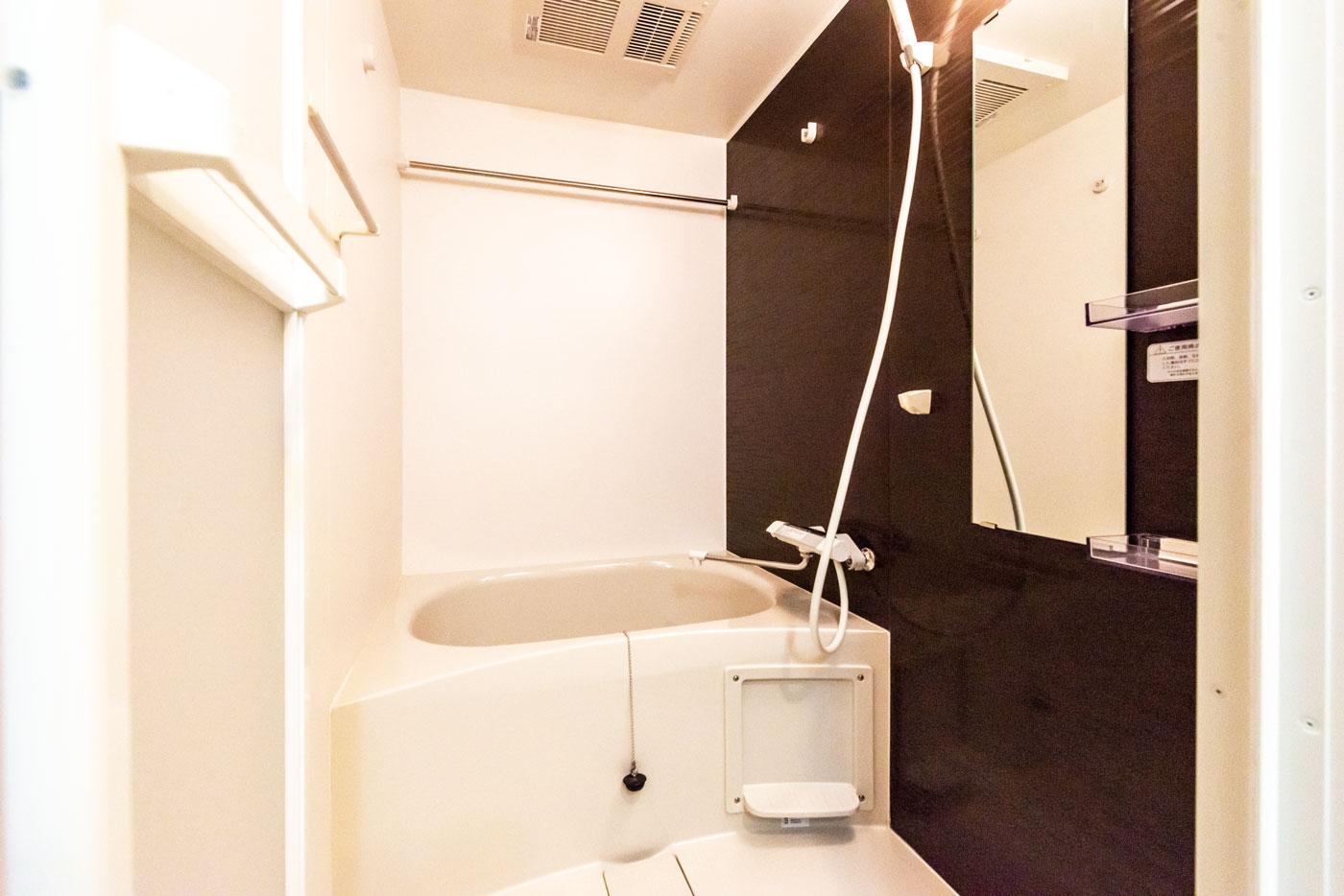 203(浴室)