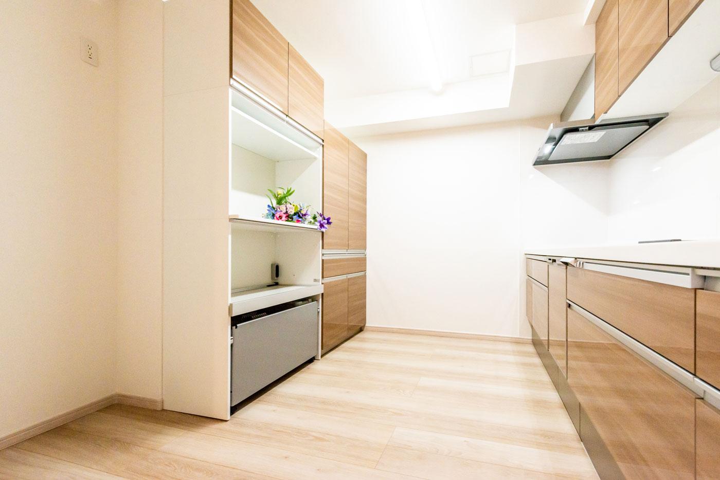 キッチン(床暖房・カップボード)