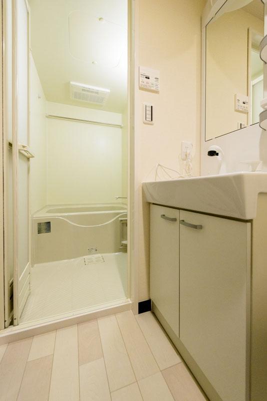 洗面室から浴室1