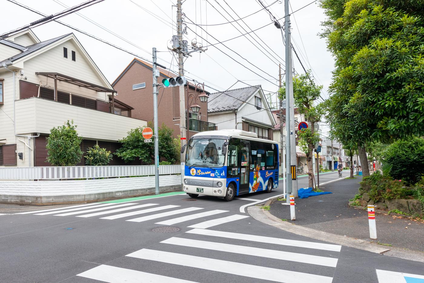 コミュニティバス(ぷらっとわらび  100円)