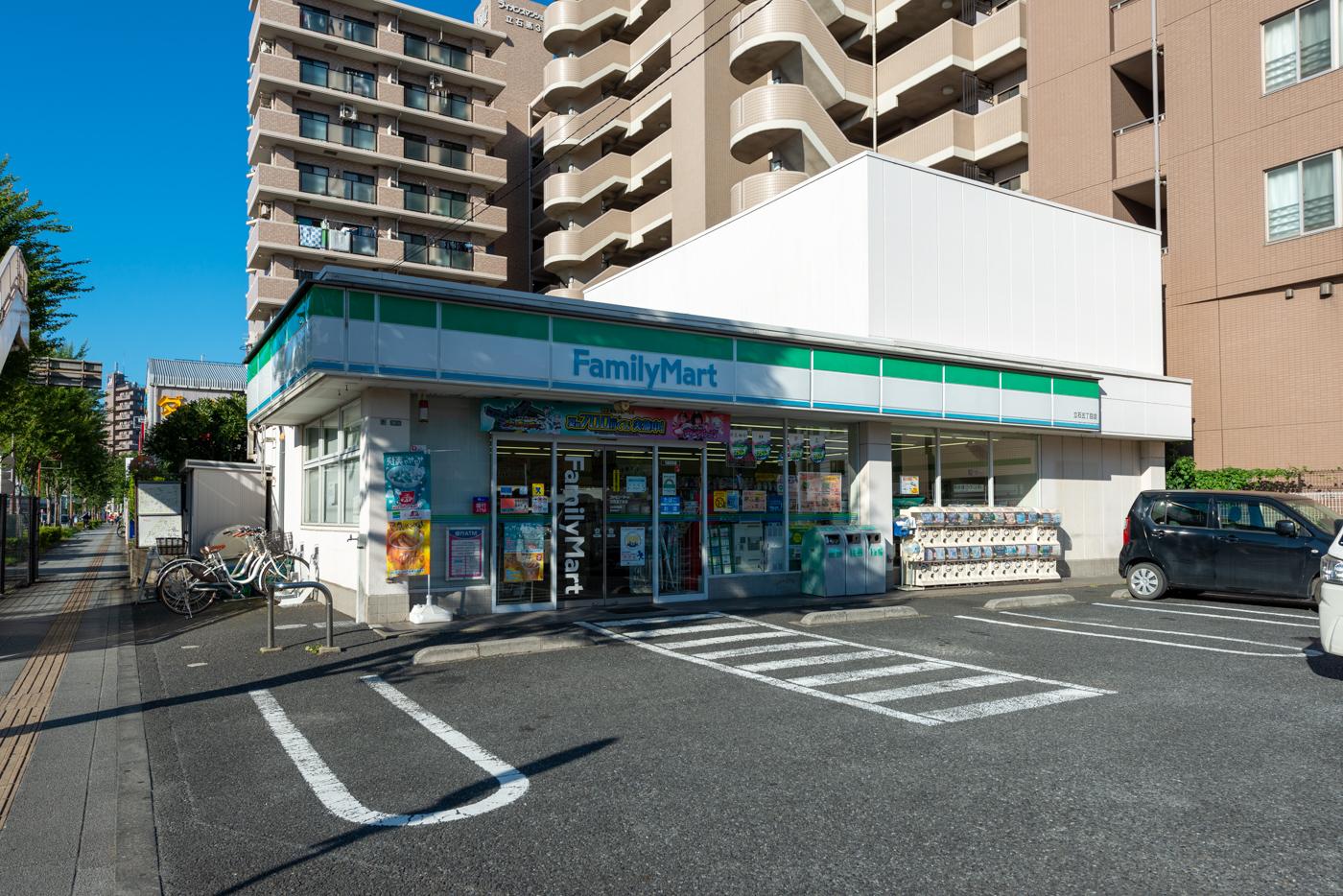 ファミリーマート立石五丁目店 (75m)