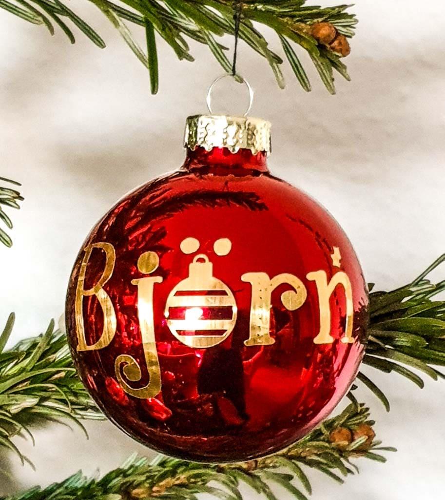 Weihnachtskugel mit Folie beschriftet