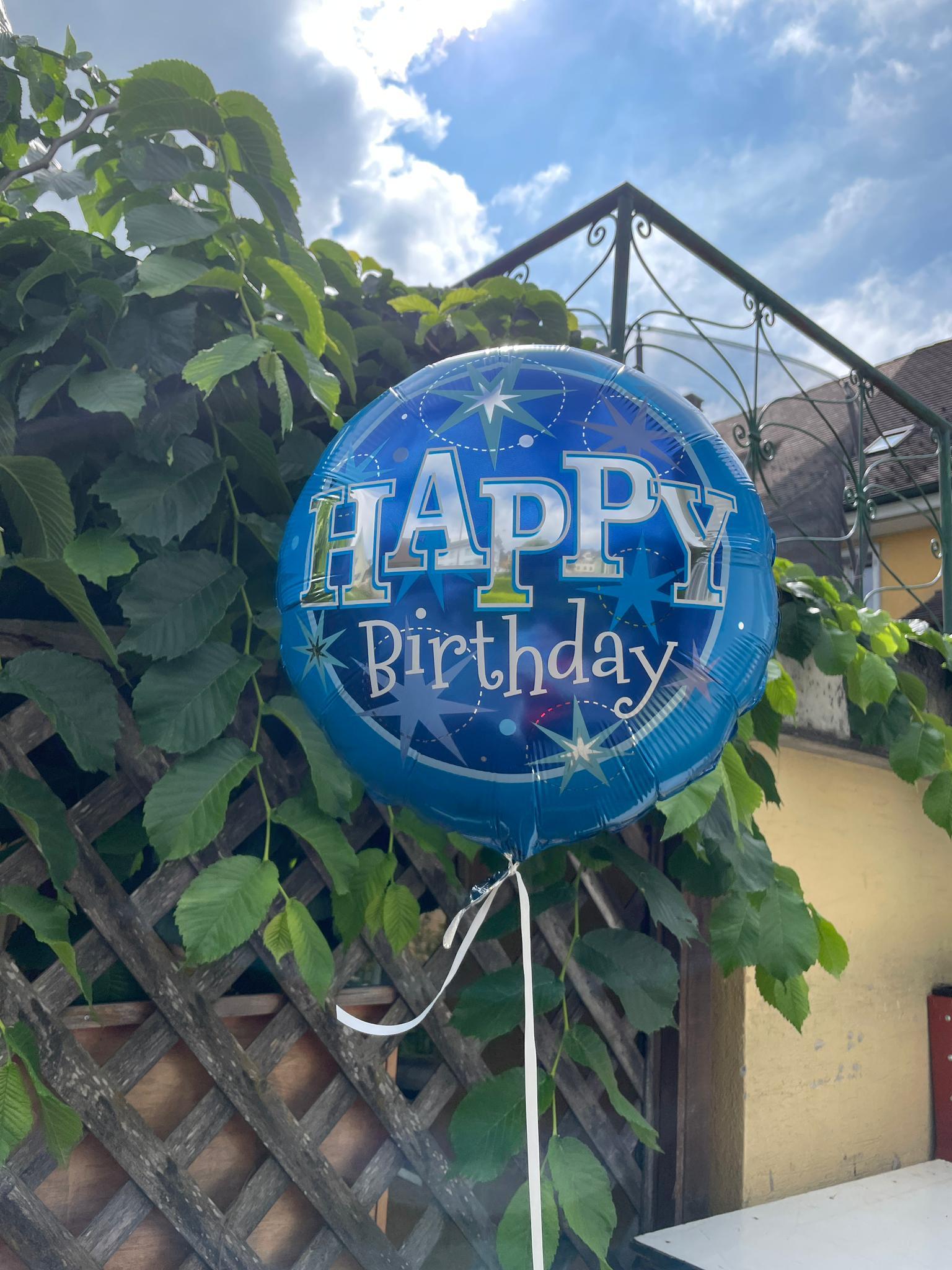 Happy-Birthday-Ballone sind immer ein Treffer