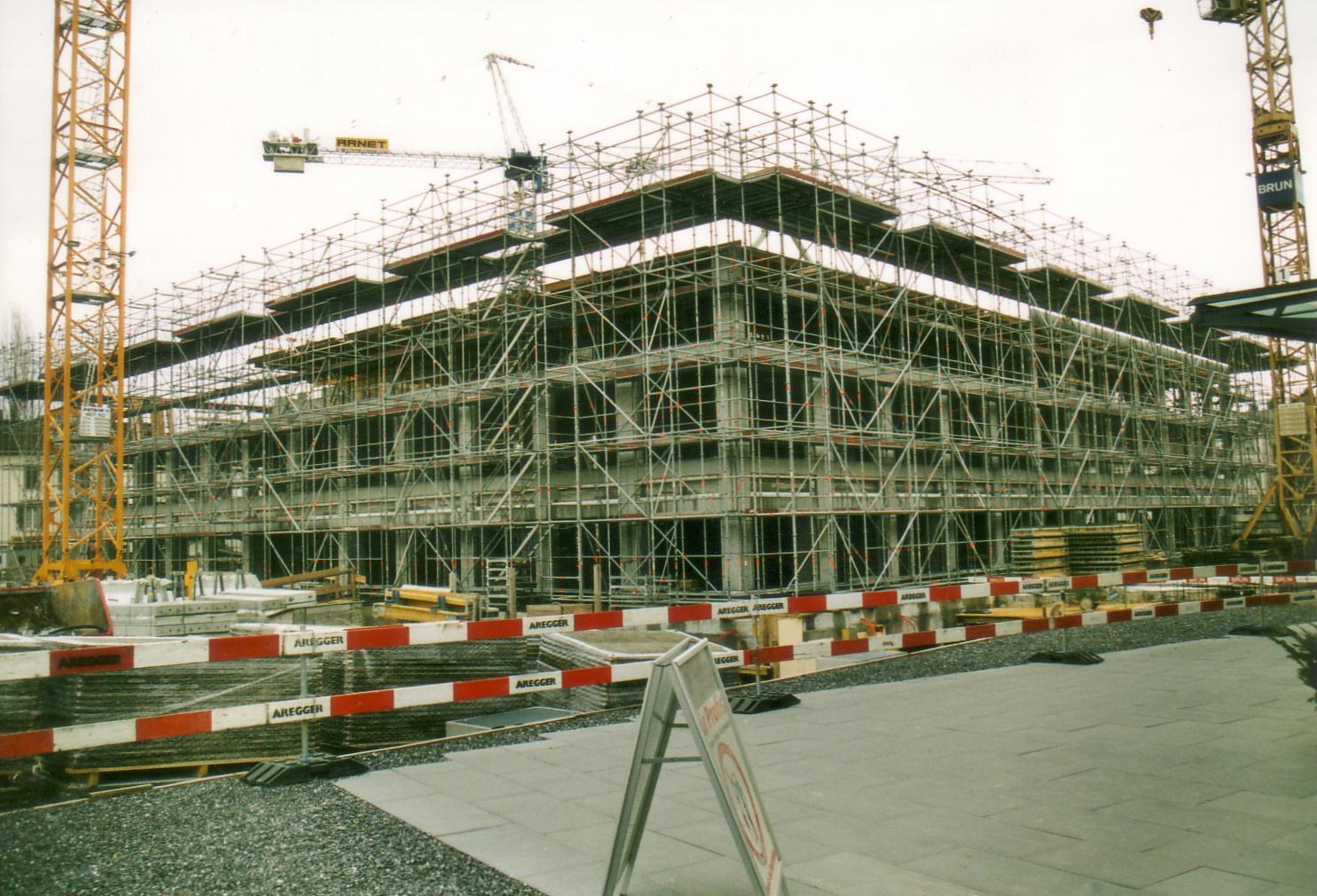 die ersten Stockwerke sind gebaut