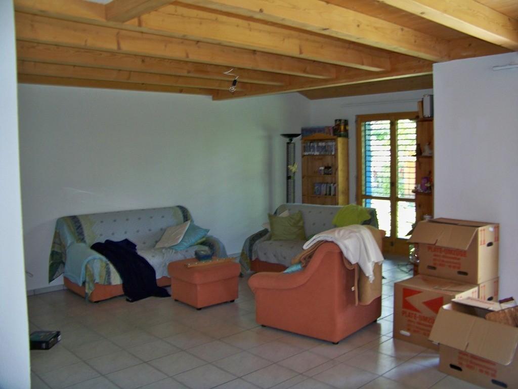 Wohnzimmer eingeräumt