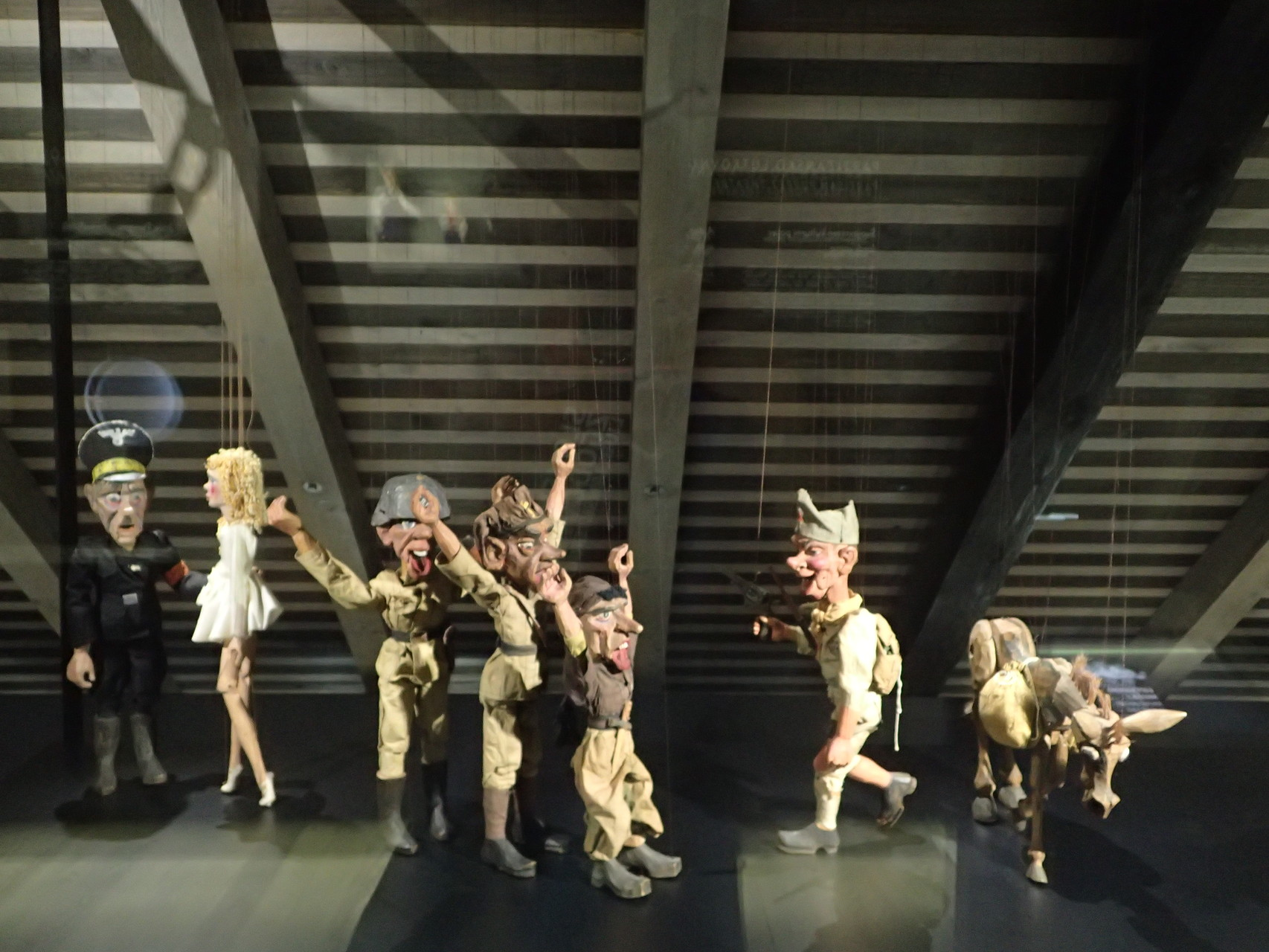 Puppetry under the Occupation of Nazi-Germany