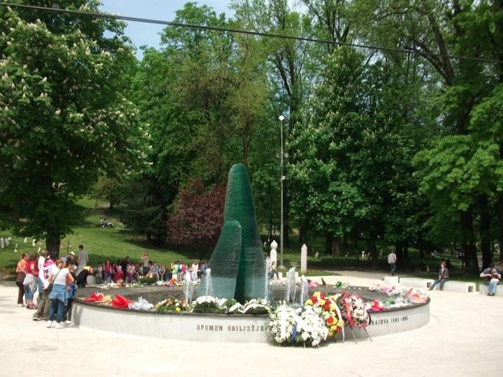 Ein Denkmal für die etwa 1500 Kinder, die während der Belagerung ums Leben kamen