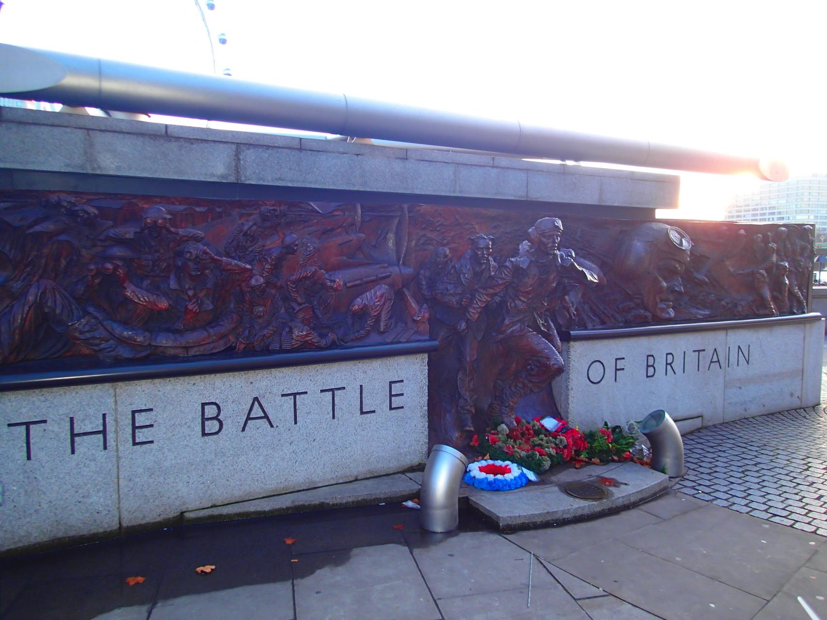 Ein Monument für gefallene Soldaten aus dem zweiten Weltkrieg