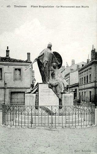 L'autre statue du quartier, place Roquelaine