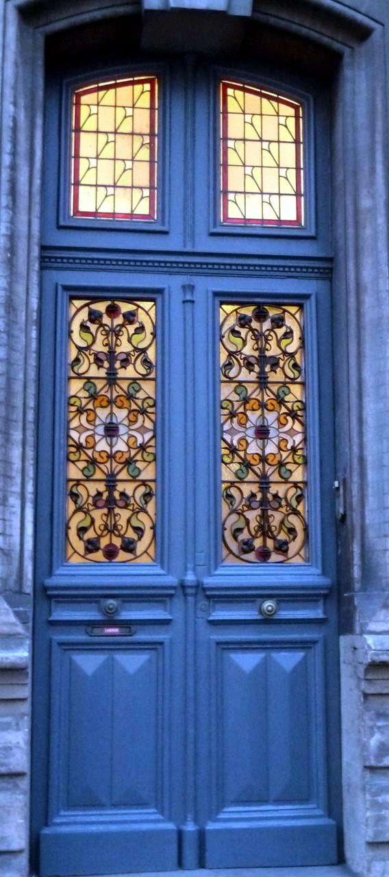 Bd Matabiau, ici encore une complémentarité intéressante entre vitrail et grille