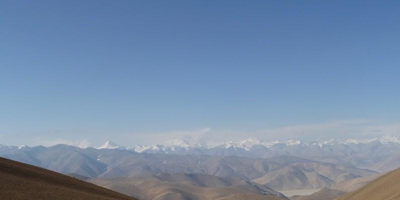 Der erste Blick auf die Bergkette, in der der Mt. Everest liegt!!