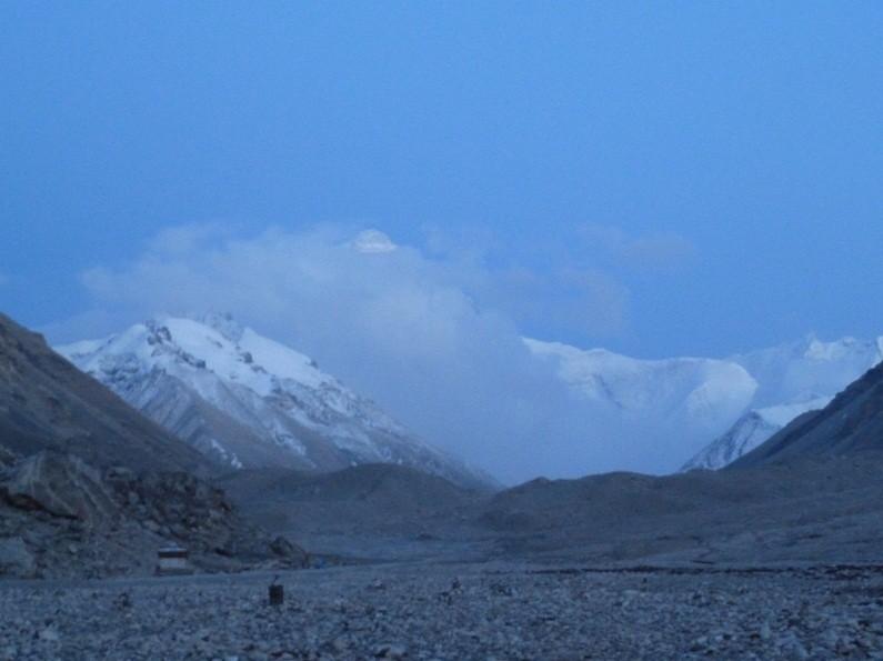 Der Mt.Everest, bzw. eine Wolke vor dem Mt. Everest