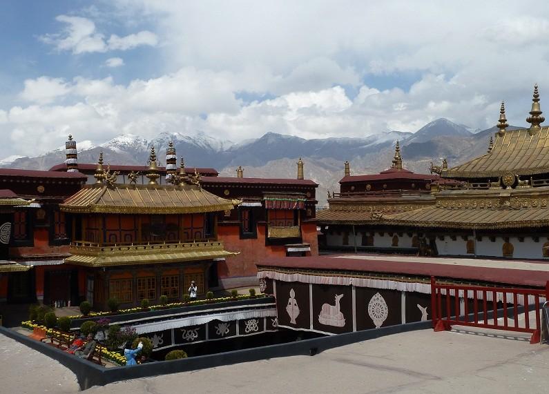 auf dem Dach des Jokhang-Palasts