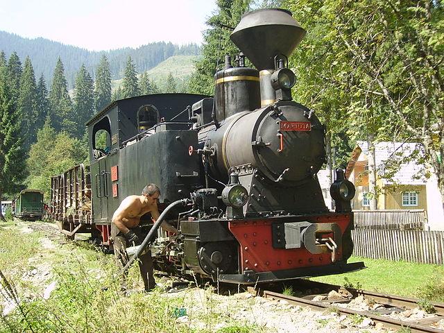 Viel Handarbeit braucht der Betrieb der Dampflokomotiven