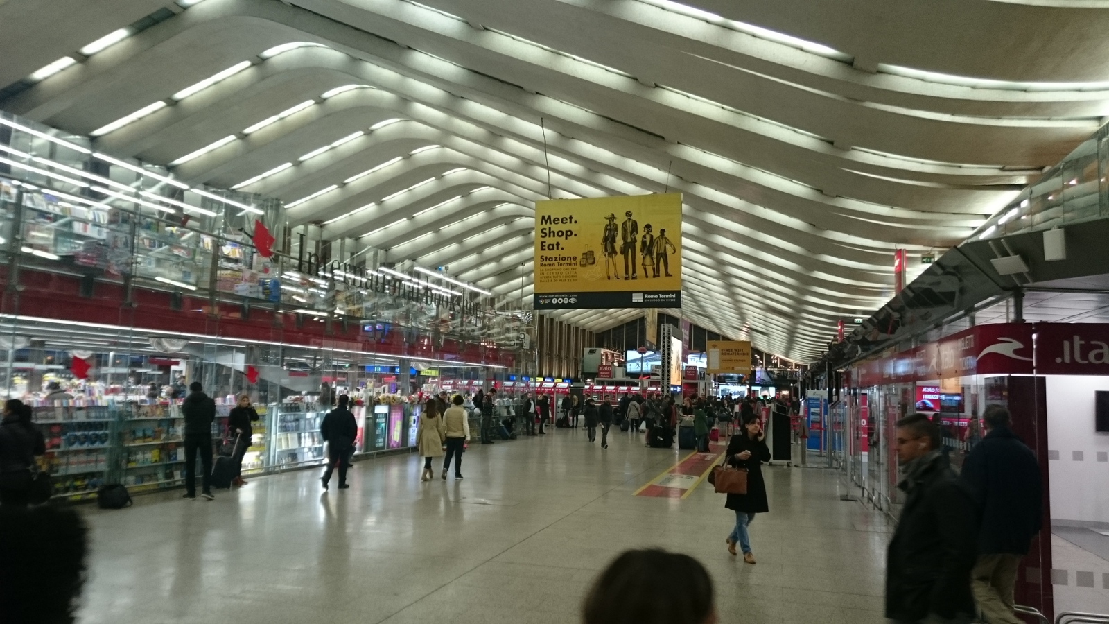 Viel Licht und Glas im Bahnhof Termini