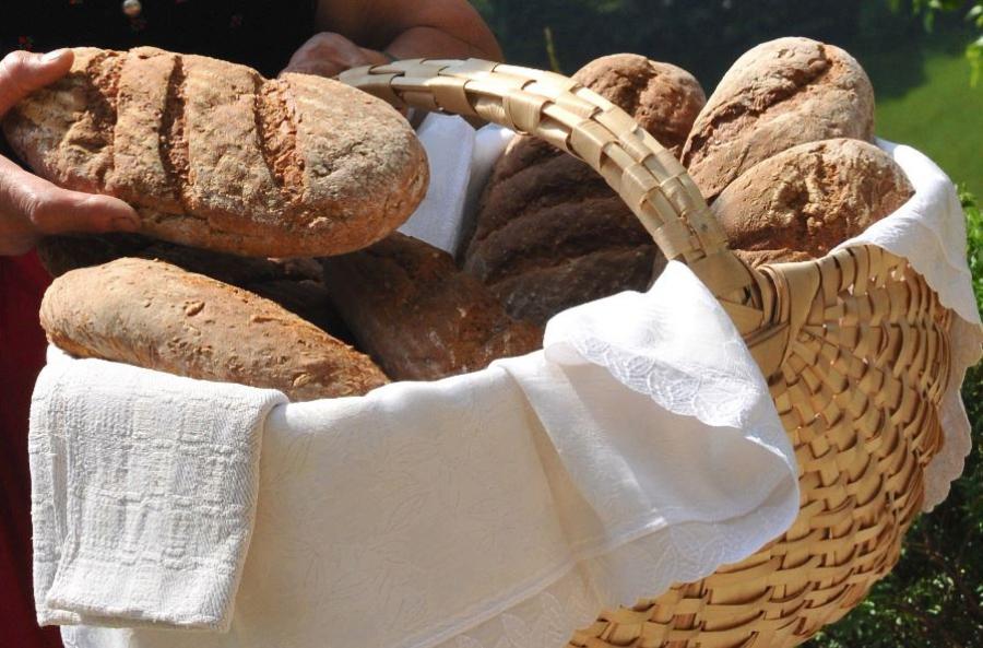 Das Lesachtaler Brot ist eine Spezialität der Region und wird durch die Slow-Food-Gemeinschaft heute gefördert.