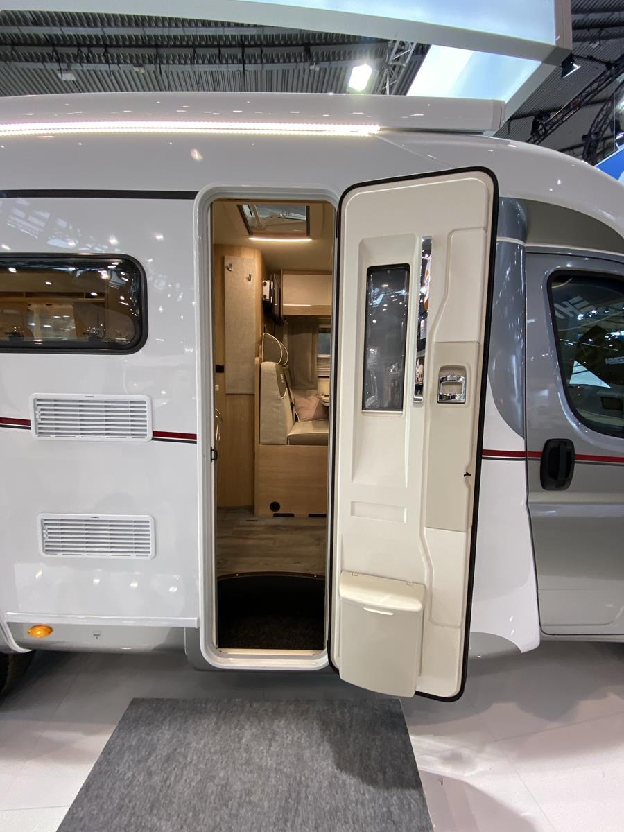 LMC Van 643 G Eingangstür