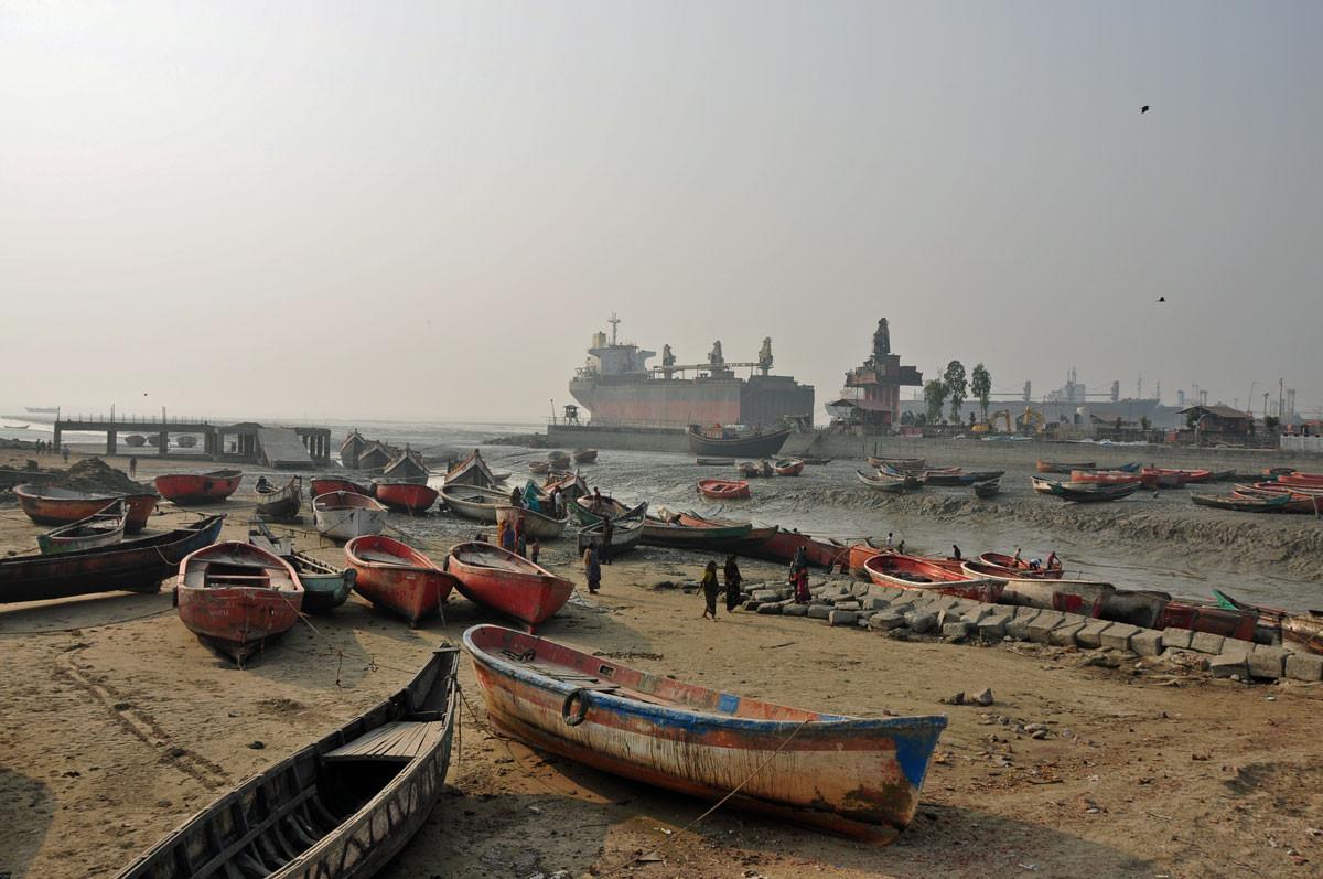 werf nabij de Ship Breaking Yards