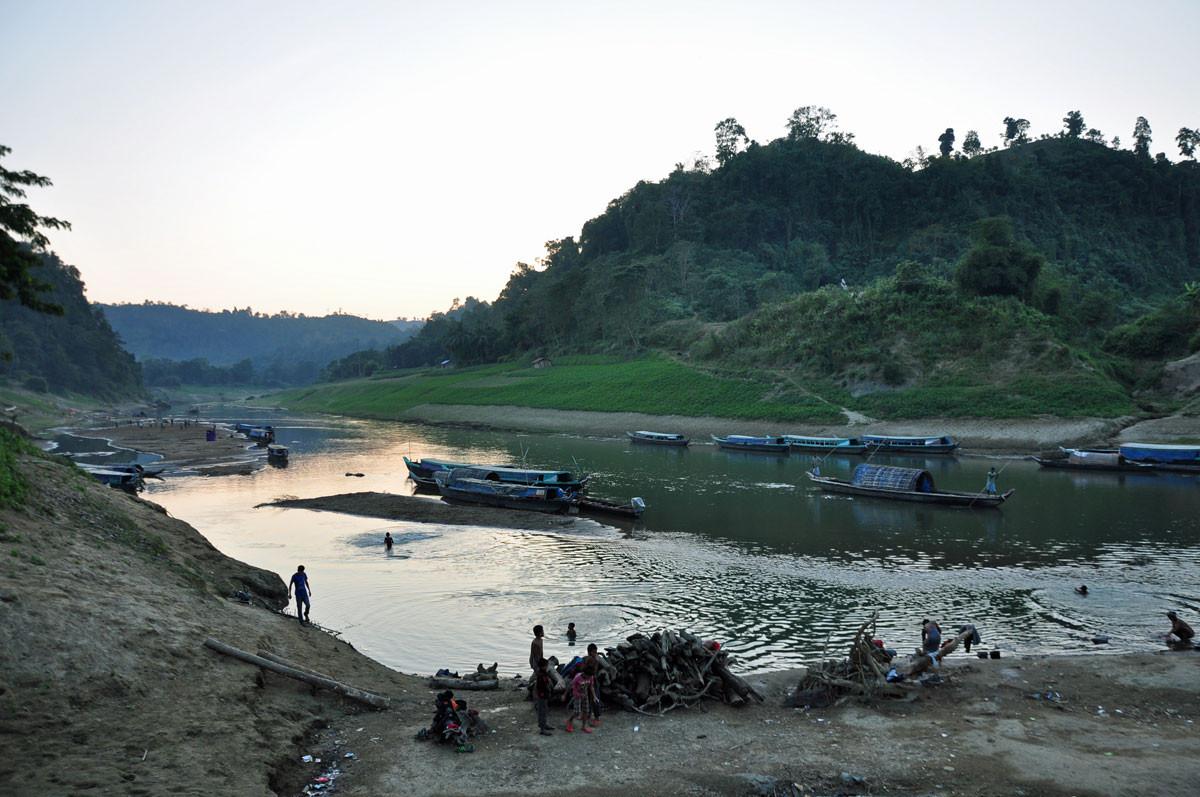 Ruma ghat, aanleghaven in de Chittagong Hill Tracts