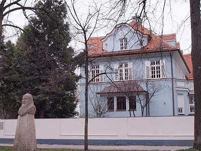 Steuerkanzlei Denja Sproll (2.OG) - Galileiplatz 1 - 81679 München