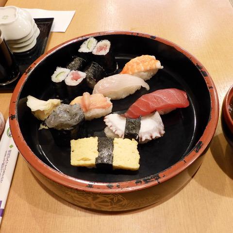 寿司ランチ7月号