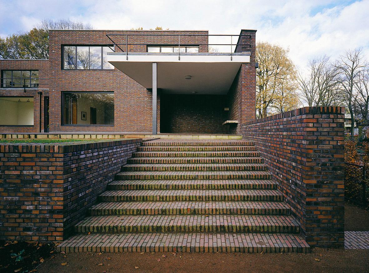 Haus Lange, Gartenseite mit Treppe. Foto: Volker Döhne.