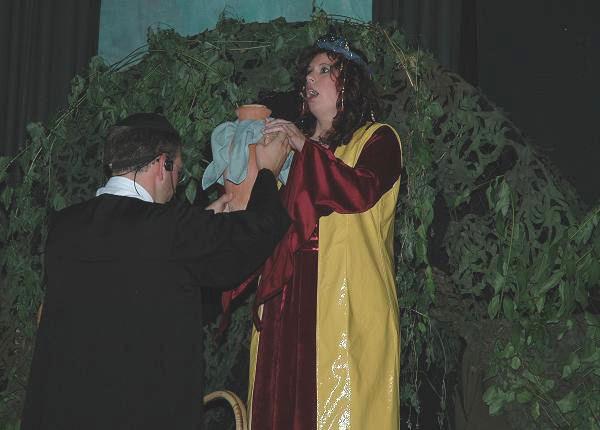Pius führt seinen dunklen Plan aus, Sibylle fällt darauf rein