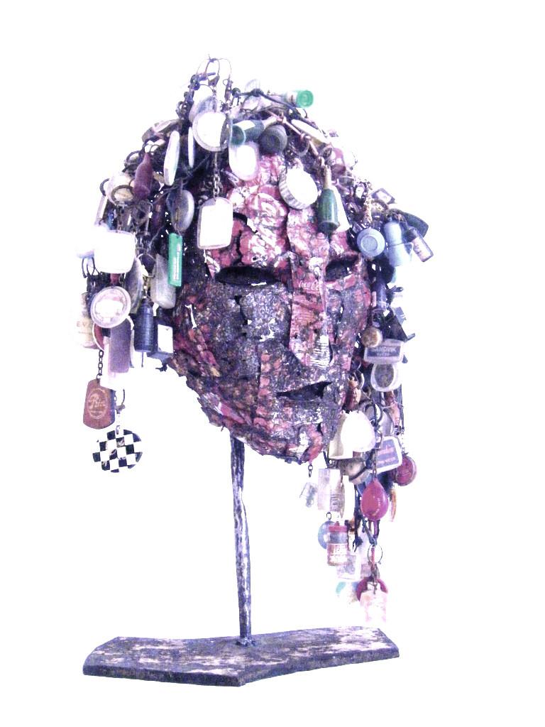 Dernier des Mohicans. Hommage aux Nouveaux Realistes. 50 x 30 x 25 . 2007. Collection privée