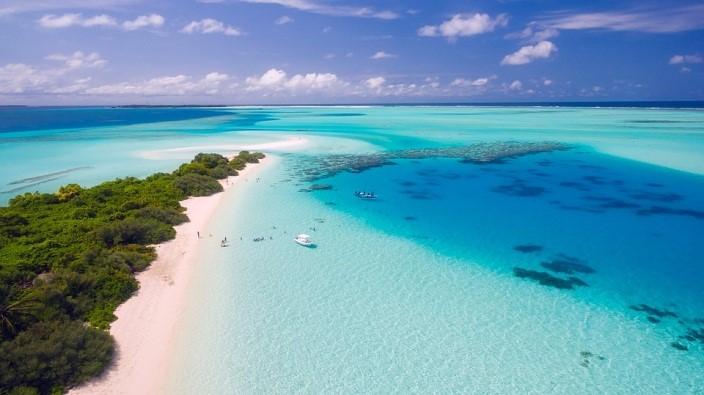 Conoce las mejores playas para viajar contratando la renta de camionetas turísticas en CDMX