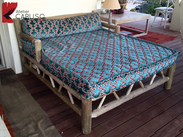 Tendaggi torino atelier tessuti arredamento tende for Letti per casa al mare