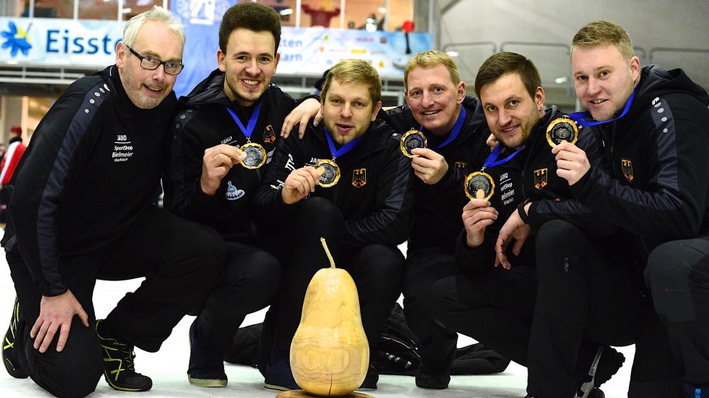 Team D: Trainer Stelzig, Matthias Peischer, Manuel Schmid, Andreas Greil, Christoph Öttl und Martin Kamml