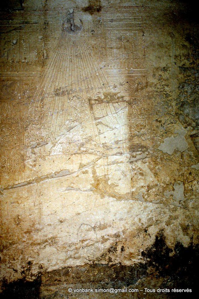 [065-1981-17a] TT 55 Ramosé : Nerfertit et Akhenaton (Amenophis IV) sous les rayons du soleil Aton