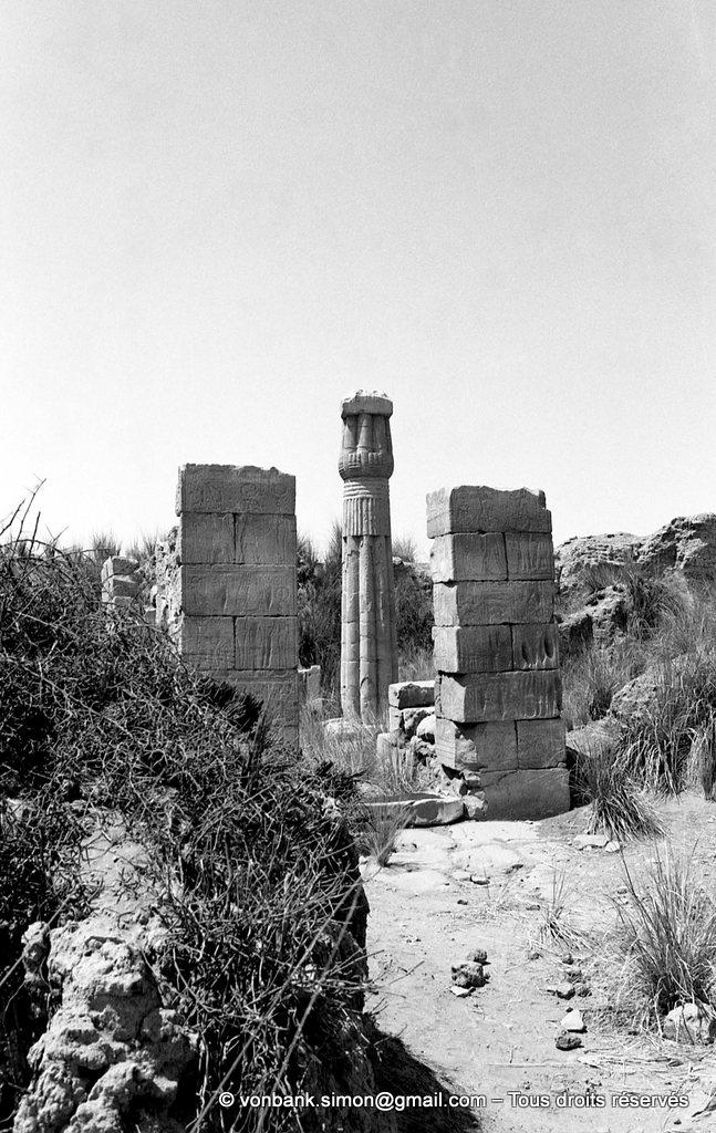 [NB087-1973-03] Karnak - Sanctuaires osiriens : Chapelle d'Osiris Ounnefer Neb-djefaou
