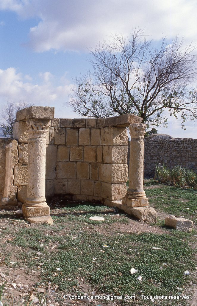 [034-1983-11] Makthar (Mactaris) : Mausolée des Julii