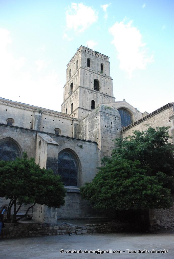 [NU001i-2018-0064] 13 - Arles - Saint-Trophime : Le clocher roman (XIII° - XVII° pour le dernier étage)