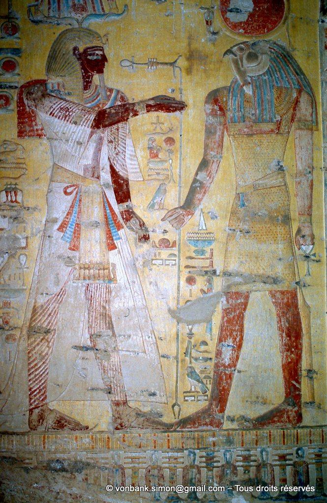 [066-1981-24] KV 8 Mérenptah : Mérenptah devant Rê-Horakhti
