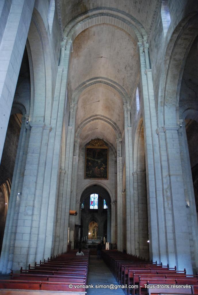 [NU001i-2018-0053] 13 - Arles - Saint-Trophime : La nef (XII°)